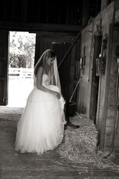 MY OLD BARN :) Photography: Christina Bohn Photography - christinabohn.com Floral Design: Open House Country Flowers - openhousecountryflowers.com  Read More: http://www.stylemepretty.com/2011/05/24/stony-brook-wedding-by-christina-bohn-photography/