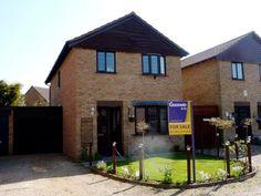 Four Bedroom Detached House For Sale in Mellis Court Felixstowe...