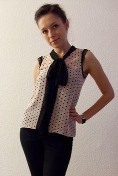 von mri: Pünktchenbluse mit Schluppe. Sew a chiffon blouse with attached bow tutorial