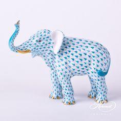 "Medium size Herend Elephant Animal Figurine 15920-0-00 VHTQ - Turquoise Height: 12.5 cm (4.9""H) Width: 6.5 cm (2.6""W) Length: 15.0 cm (5.9""L) Weight: 0.21 kg"