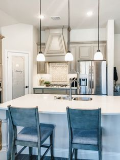 A spacious Island that's great for entertaining. Bloomfield Homes, Kitchen Pantry Doors, Home Kitchens, Entertaining, Island, Table, Furniture, Home Decor, Decoration Home