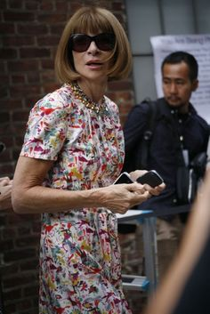 Anna Wintour shot by Stefania Yarhi in New York, September Milan Fashion Weeks, New York Fashion, London Fashion, Women's Fashion, Stockholm Street Style, Paris Street, Anna Wintour Style, Love Her Style, Vogue