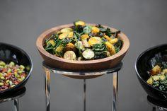 TILT serien setter standarden for buffeten din. Kung Pao Chicken, Tilt, Catering, Buffet, Ethnic Recipes, Food, Meal, Catering Business, Buffets