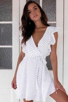 Cute little white ruffle dress for summer. The post Cute little white ruffle dress for summer. appeared first on Dress. Trendy Dresses, Women's Dresses, Elegant Dresses, Cute Dresses, Casual Dresses, Casual Outfits, Dresses Online, Casual Shoes, Cream Dresses