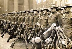 US troops arriving in England, 1917
