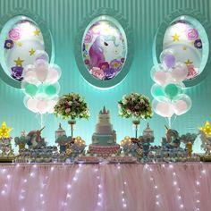 Hoje teve festa linda com o tema queridinho do momento! Unicórnios para Anna Luísa @lukhalil @dukhal - lalapetit