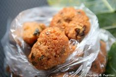 Gâteaux piment - Ile Maurice Snacks Dishes, Savory Snacks, Savoury Recipes, Mauritian Food, Ocean Food, French Food, Finger Foods, Indian Food Recipes, Tapas
