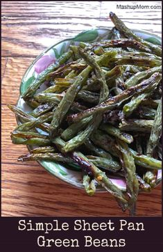 Simple side dishes are where it's at, and roasting vegetables brings out their best flavor. Simple Sheet Pan Green Beans go with most any main dish, to round out your meal! Start with this easy vegetarian side dish recipe, and change up the seasonings to your own tastes. Pan Green Beans, Seasoned Green Beans, Oven Roasted Green Beans, Side Dishes Easy, Side Dish Recipes, Aldi Meal Plan, Roasted Vegetables, Veggies, Green Bean Recipes