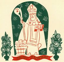 Saint Nicholas statue in niche