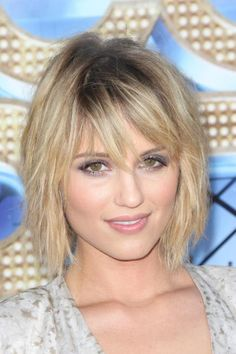 Dianna Agron's sexy chin-length tousled hairstyle is perfect for summer. For a similar cut, ask your stylist to keep the back shorter, angling layers in the front toward the chin. #shorthair #hairstyle