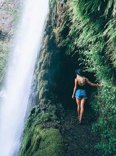 Best waterfall hikes in Columbia River Gorge near Portland, Oregon!