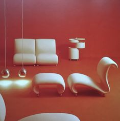 Verner Panton's 1969 interior for Spiegel Publishing House via Futuristic Interior, Retro Futuristic, Futuristic Furniture, Plywood Furniture, Design Furniture, Furniture Chairs, Painting Furniture, Modern Furniture, Interior Exterior