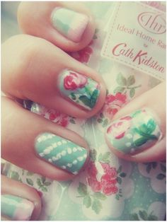 Light green nails and roses nails. Perfect for a shabby chic nails. Uñas Shabby Chic, Shabby Chic Nails, 3d Nail Art, Floral Nail Art, Nails Polish, 3d Nails, Nail Nail, Cath Kidston Nails, Nail Art Designs