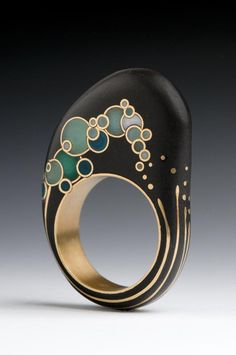 """Andrea Williams, Mizu Wave Ring, beach stone, reclaimed gold, hand-pulled Venetian glass: """"This ring was inspired by Hokusai's Wave. I was honored to received a 2012 Niche Award in the Professional Fine Jewelry category for this design. Contemporary Jewellery, Modern Jewelry, Jewelry Art, Gold Jewelry, Jewelry Rings, Jewelry Accessories, Fine Jewelry, Fashion Jewelry, Unique Jewelry"""