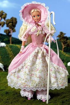 Looking for the Barbie Doll as Little Bo Peep? Immerse yourself in Barbie history by visiting the official Barbie Signature Gallery today! Barbie I, Barbie World, Barbie And Ken, Barbie Clothes, Barbie Stuff, Marie Osmond, Ashton Drake, Little Bo Peep, Pink Gowns