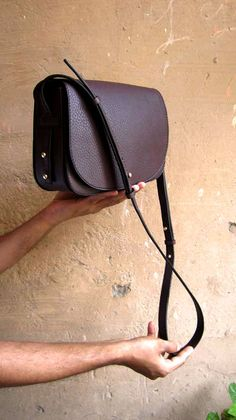Bordeaux Big Stefanie, Chiaroscuro, India, Pure Leather, Handbag, Bag, Workshop Made, Leather, Bags, Handmade, Artisanal, Leather Work, Leather Workshop, Fashion, Women's Fashion, Women's Accessories, Accessories, Handcrafted, Made In India, Chiaroscuro Bags - 6