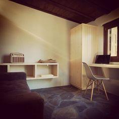Thalia - Holiday Rental VIlla in Pelion - Greece Luxury Villa, Contemporary Design, Corner Desk, Layout, Thalia, Natural Materials, Architecture, Holiday, Lab