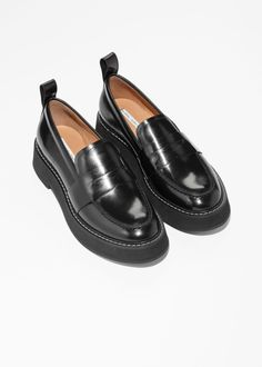 Chunky Loafers - Black - Loafers - & Other Stories Black Loafers Outfit, Black Flats Shoes, Blue Shoes, Loafer Shoes, Pump Shoes, Oxford Shoes, Chunky Loafers, Chunky Shoes, Aesthetic Shoes