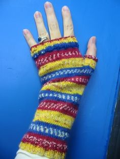 Free Knitting Pattern - Fingerless Gloves & Mitts: Kat's Paws Fingerless Mitts