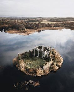 What would you take with you to a Castle Island? ⭐MacDermott's Castle is located on Castle Island, a small island in the southeast corner… Little Island, Small Island, Beautiful Castles, Beautiful Places, Beautiful Scenery, Uk And Ie Destinations, Best Of Ireland, Castle Ruins, Forest Park