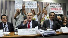 """Taís Paranhos: Cristóvam Buarque é chamado de """"golpista"""" no Senad..."""