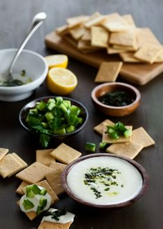 Maydanozlu Naneli Pestolu Beyaz Peynir Dip