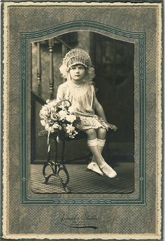 Vintage Photo - Domains - Ideas of Domains - Vintage Photograph Little girl all dressed in white with elaborate head dress and flowers. Perhaps she was a flower girl at a wedding. Vintage Children Photos, Vintage Pictures, Old Pictures, Vintage Images, Old Photos, Vintage Abbildungen, Photo Vintage, Vintage Girls, Vintage Postcards