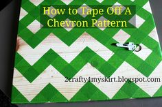 Tried it before I pinned it - great way to do a Chevron pattern! 2 Crafty 4 My Skirt: How To Tape Off A Chevron Pattern Canvas Ideas Cute Crafts, Crafts To Make, Arts And Crafts, Diy Projects To Try, Craft Projects, Craft Ideas, Do It Yourself Decoration, Little Presents, Silvester Party