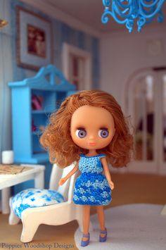 Petite Blythe.. I love her hair..