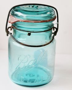 This is a price guide. Learn about values with this vintage canning jar price guide, including manufacturers, dates, and prices. Amber Bottles, Antique Bottles, Bottles And Jars, Antique Glass, Glass Jars, Antique Items, Wine Glass, Vintage Items, Ball Canning Jars