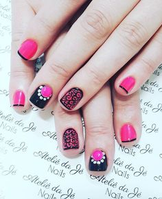 WEBSTA @ jehhdossantoss - Pink mara! #ateliedaje #topbeautyoficial #agenteama #unhasdecoradas #nailslove #artnails #pedrarias #amamos #vempraca ❤❤❤