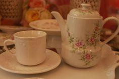 TAZA LABRADA CON TETERA PINTADA A MANO ♥♥♥ #tea #teatime #instatea #TagsForLikes #tealife #ilovetea #teaaddict #tealover #tealovers #teagram #healthy #drink #hot #mug #teaoftheday #teacup #teastagram  #teaholic #tealove #tealife #tearose #rosetea #buenosaires #palermo #palermosoho #palermoviejo #argentina #rosas #roses #romance #romantic #teaforone #teaoclock #coffee #cafe #instacoffee #TagsForLikes #cafelife #caffeine #hot #mug #drink #coffeeaddict #coffeegram #coffeeoftheday #cotd