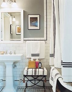 I've been thinking about a guest bathroom refresh for a very long time. There have been attempts, oh yes, over the last couple years to repaint, but I've never been totally happy with t…