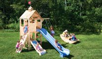 (finally!) a small wooden playset designed for a small yard, from cedarworks, unfortunately much too expensive ...