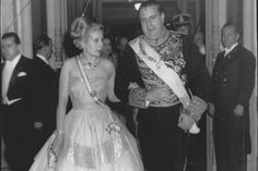 Eva Duarte de Perón in Spain : Another dress option, and look at the sash she is wearing.
