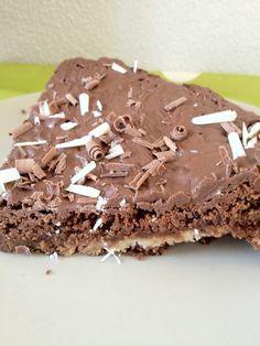 Brownietaart met melk- en witte chocolade - Lekker en Simpel