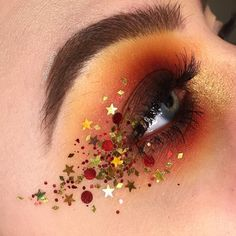 Creative And Gorgeous Christmas Makeup Ideas For The Big Holiday; Christmas Makeup Looks; Holiday Makeup Looks; Makeup Inspo, Makeup Art, Makeup Inspiration, Makeup Ideas, Fairy Makeup, Makeup Goals, Makeup Geek, Christmas Makeup Look, Holiday Makeup