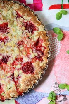 Kermaruusu: Raparperi-mansikkapiirakka Summer Cakes, Rhubarb Recipes, Sweet Pie, Yams, Something Sweet, Food Inspiration, Quiche, Healthy Recipes, Healthy Food