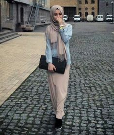 How To Wear Hijab Outfit With Casual Looks Hijab Fashion 2016, Abaya Fashion, Modest Fashion, Girl Fashion, Hijab Casual, Hijab Chic, Hijab Outfit, Hijab Fashion Inspiration, Mode Inspiration