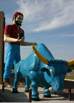 Paul Bunyan and Babe the Blue Ox, Brainerd, MN.  Summer fun!