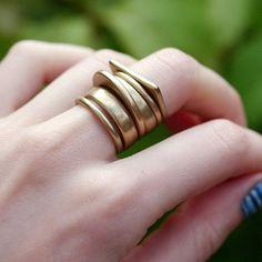 Gemstone Jewelry Diy Luxe Ring Set Pearls And Rocks. Gemstone Jewelry Diy Luxe Ring Set Pearls And Rocks Rose Gold Engagement Ring, Diamond Wedding Bands, Wedding Rings, Hipster Grunge, Grunge Goth, Diamond Jewelry, Silver Jewelry, Silver Rings, Diamond Studs
