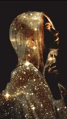 Essere luce Glitter Photography, Art Photography, Cute Galaxy Wallpaper, Applis Photo, Beautiful Fantasy Art, Digital Art Girl, Scenery Wallpaper, Anime Art Girl, Cartoon Art