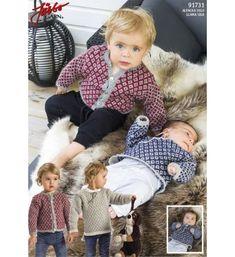 Gratis strikkeopskrifter - bluse og cardigan til baby hos Fru Hyasinth Knitting For Kids, Crochet For Kids, Knit Crochet, Free Baby Patterns, Baby Knitting Patterns, Baby Llama, Baby Barn, Knit Baby Sweaters, How To Make Clothes