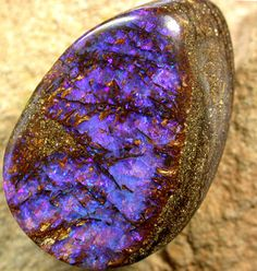 OPALIZED WOOD ELECTRIC BLUE FIRE STONE [BMA 11 ]  35.80 CTS