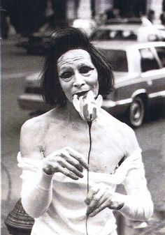 Kazuo Ohno was a Japanese dancer who became a guru and inspirational figure in the dance form known as Butoh. Arte Grunge, Mime, Tv Movie, Dance Movement, Foto Art, Shows, Horror Art, Japanese Art, Dark Art