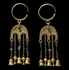 Earrings (from Dolianova, Sardinia) | Cagliari (Italy), Museo Archeologico