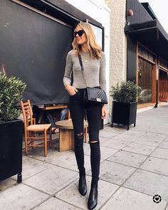 50 Best Fashion Outfits Women with Classy Street Styles Ideas - Fashion and Lifestyle Source by mollycashman clothes classy Look Casual Chic, Mode Outfits, Fall Outfits, Casual Outfits, Classy Chic Outfits, Classy Clothes, Skinny Jeans Negros, Look Fashion, Autumn Fashion