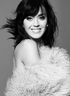 Probably the prettiest pic I've ever seen of Katy Perry XD