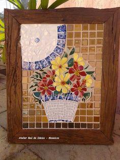 Moldura em Madeira de Demolição Mosaico de pastilhas e louças 51 x 42.5