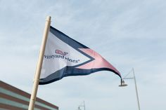 We Want To Move Into Vineyard Vines' New Island-Inspired Office  - TownandCountryMag.com